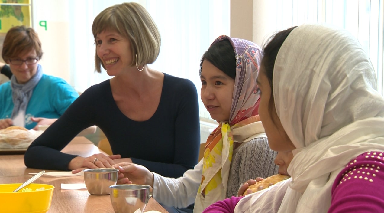 Uspešni modeli slovenskih šol za vključevanje otrok priseljencev v svoje okolje