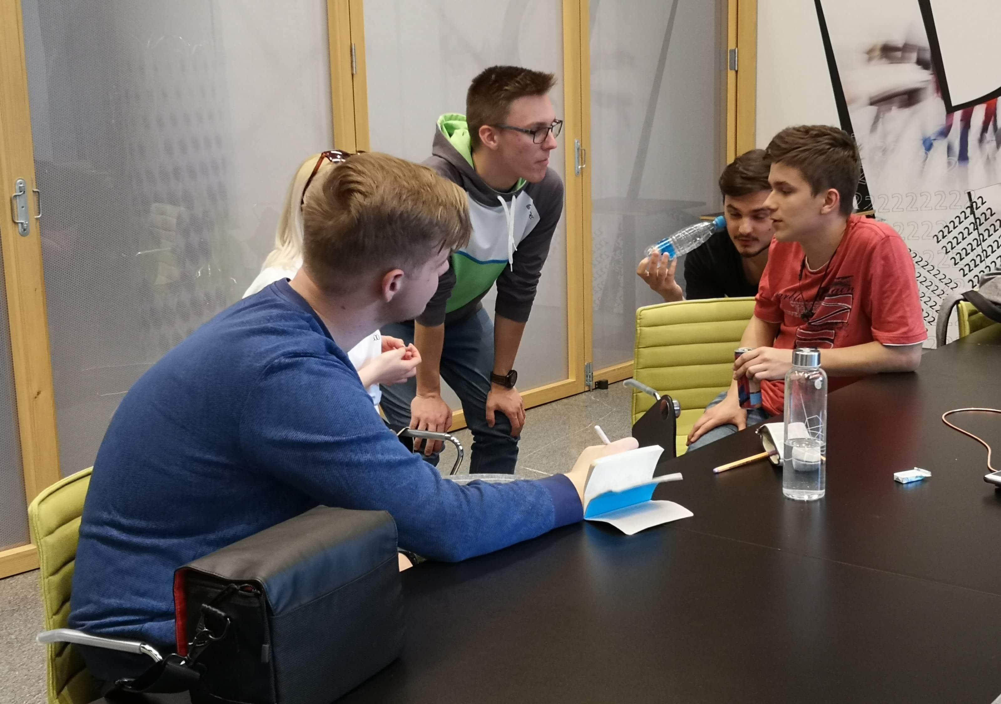 SLOGA z mladimi podjetniki o trajnostnih izdelkih in storitvah